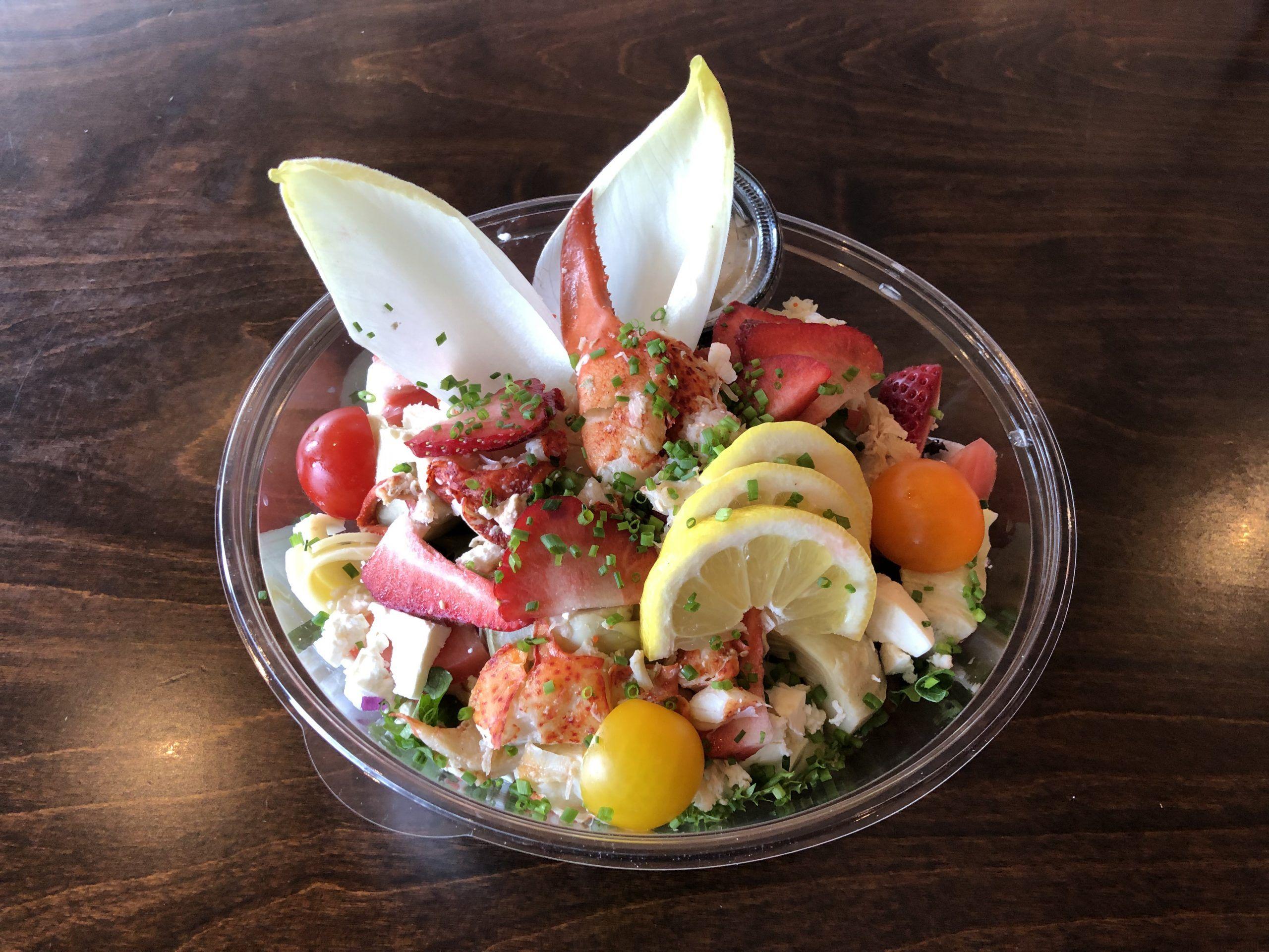Salade Gab's homard crevettes et fraises